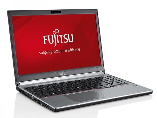 Fujitsu Lifebook E754 15,6 Zoll HD Intel Core i5 256GB SSD 8GB Windows 10 Pro Webcam inkl. Docking
